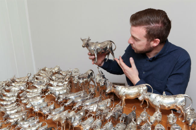 Antiques News & Fairs - Mark Littler to Sell Rare Collection of Cow Creamers
