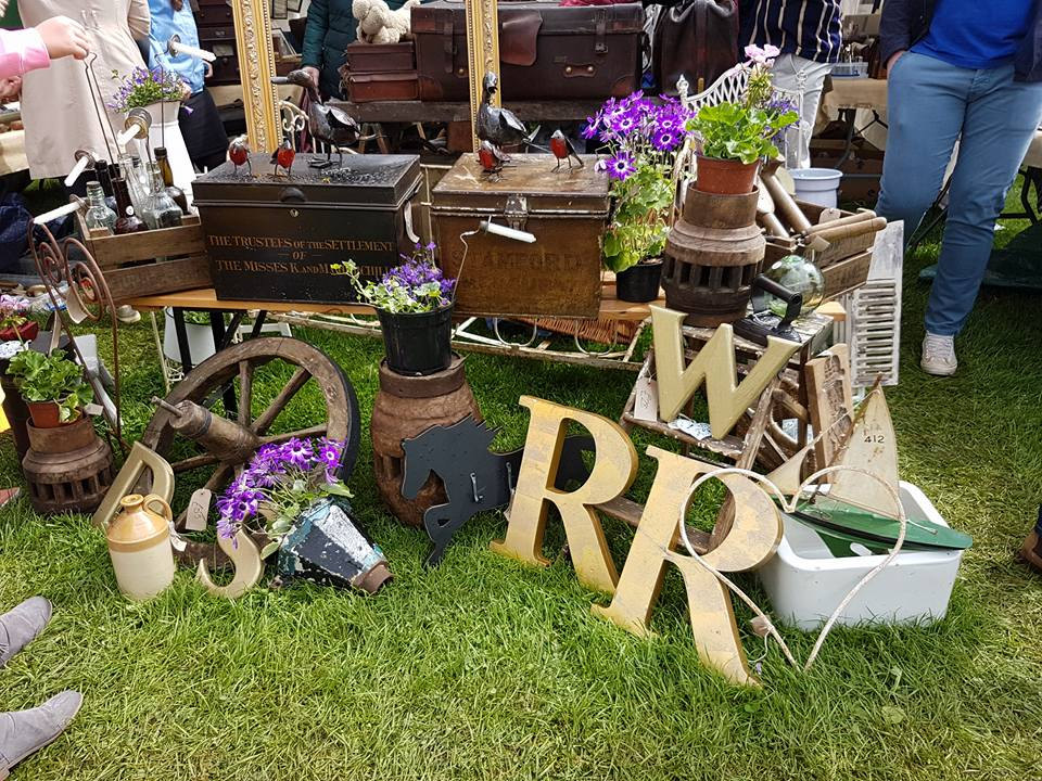 Antiques News & Fairs - Field Dog Fairs Stamford Meadows